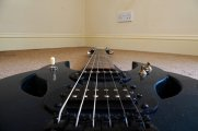 czarna gitara