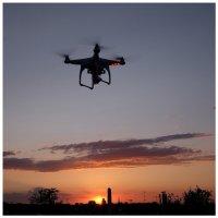 http://camonboard.pl/dji-phantom-2-gimbal-quadrocopter.html